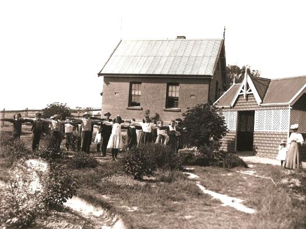 Beaconsfield-School-1910-01