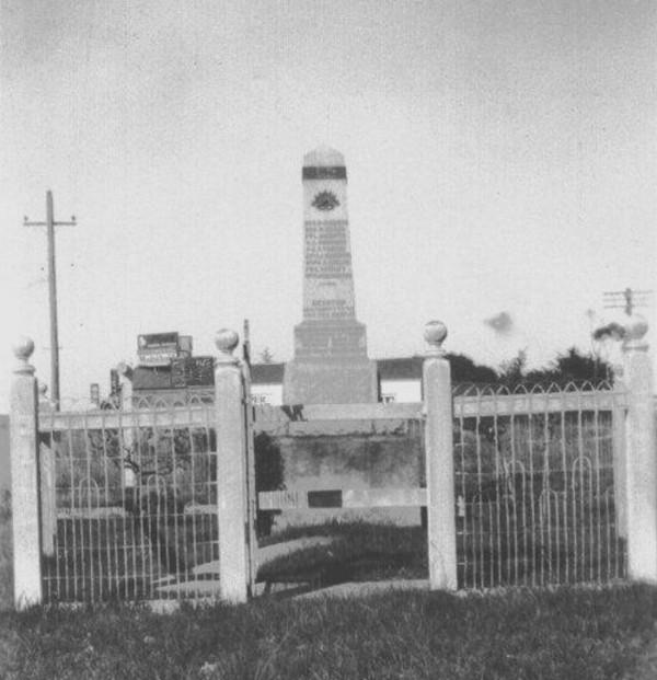 Beaconsfield-War-Memorial-01