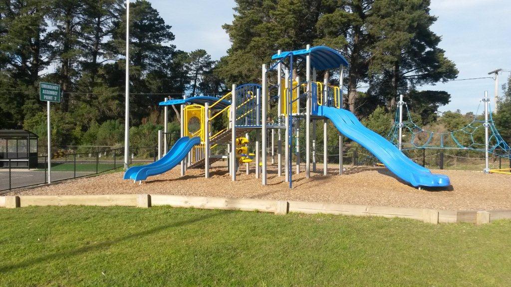 holm-park-playground